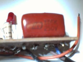 Gambar C2 C2 = 1mF/400V/250V Poly atau Millar 105K/400V/250V